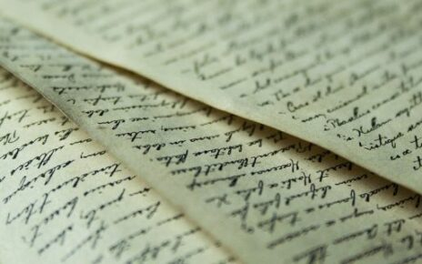 Old papers and handwriting, symbolizing valuable records for Dutch genealogy.